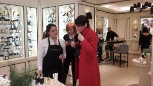 A sinistra Lindsey Orsini store manager Jo Malone Roma