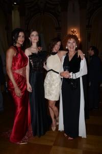 Cinzia Leone, Laura Pieralisi e due modelle sinistra due modelle del Summer Night Party- Foto di Roberto Cimini