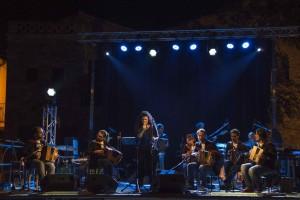 L'Orchestra Bottoni ha inaugurato il 1 luglio il calendario del Teatro Tor Bella Monaca, riaperto dopo un anno.