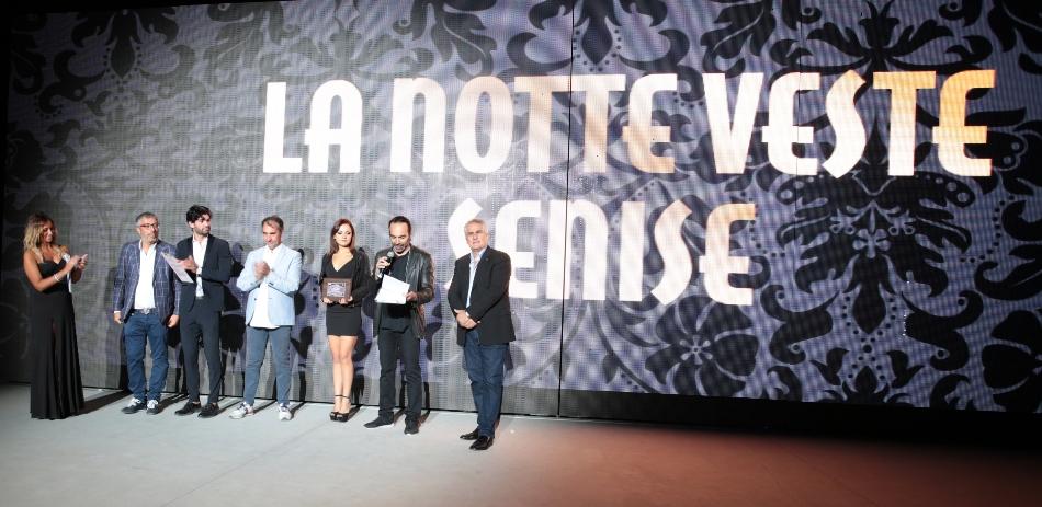 """Alt text """"La Notte Veste Senise"""""""
