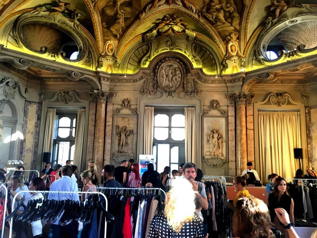 Violette sauvage l 39 evento moda di natale a palazzo colonna for Acquario a colonna