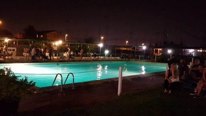 alt tag il party pool